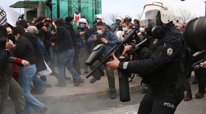 Gösteri polis müdahale