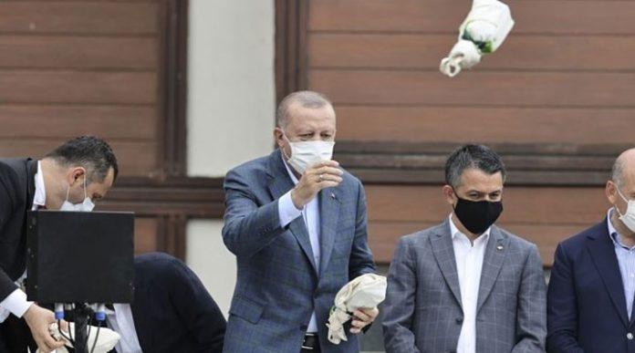 Tayyip Erdoğan çay